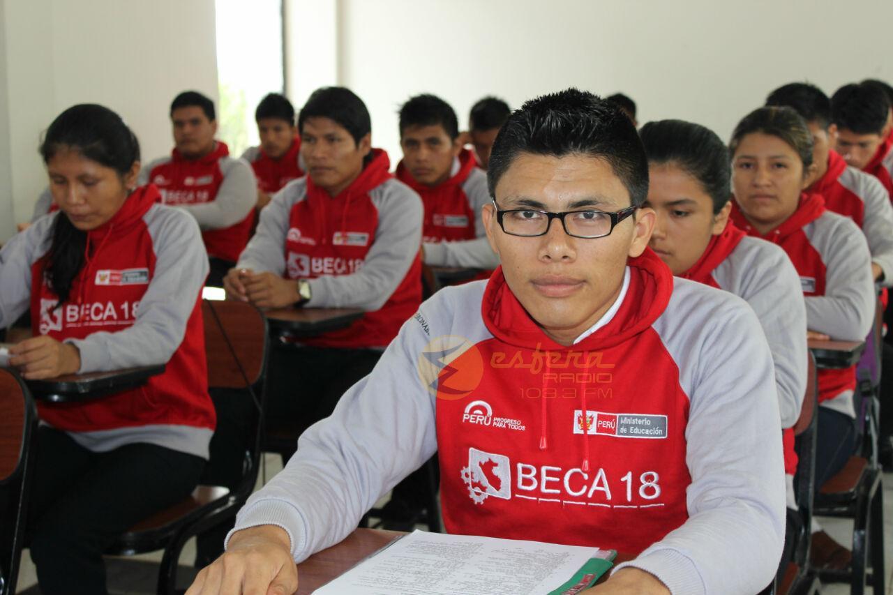 beca-18_alumnos